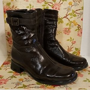 La Canadienne Patent Leather Ankle Boots